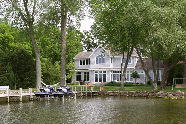 Luxury Home On The Lakefront with jet skis